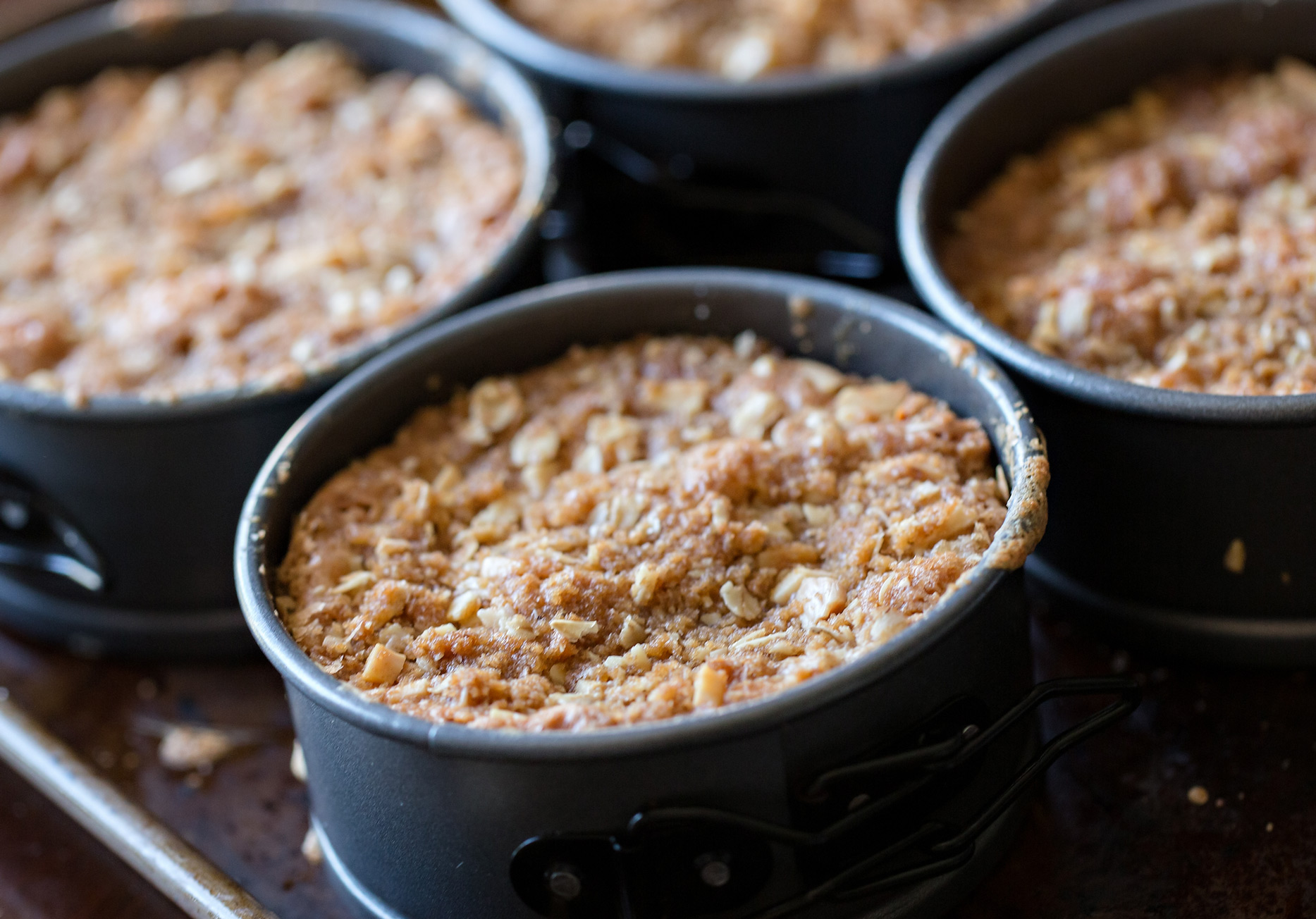 the elle in love, rhubarb crisp, recipe, made with love